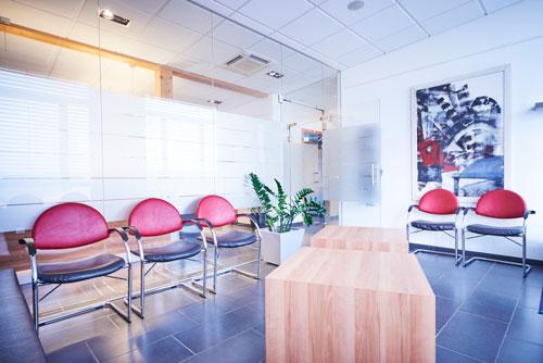 Wartezimmer Zahnarztpraxis Dr. Werdecker&Partner